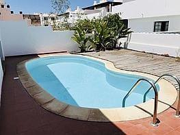 3 sovrum Semi-fristående Villa till salu i Corralejo med pool garage - 275 000 € (Ref: 4241639)