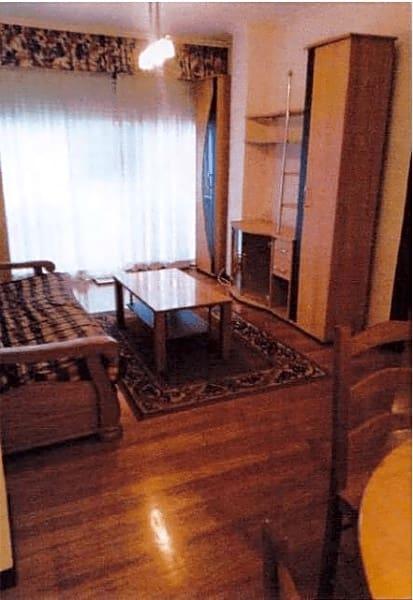 1 slaapkamer Flat te huur in Vigo - € 450 (Ref: 5154103)