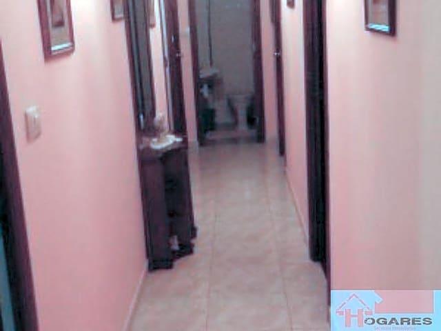 Piso de 3 habitaciones en Redondela en venta - 85.000 € (Ref: 5155874)