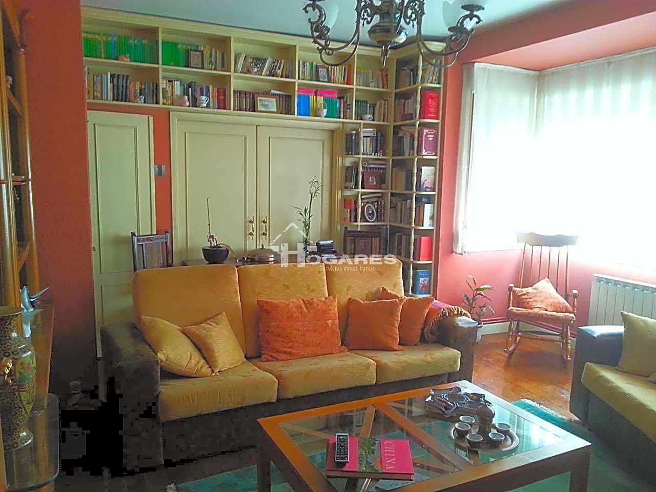 4 sovrum Lägenhet att hyra i Vigo - 800 € (Ref: 5365878)
