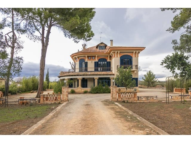 4 soveværelse Villa til salg i Anna med swimmingpool garage - € 990.000 (Ref: 5790181)