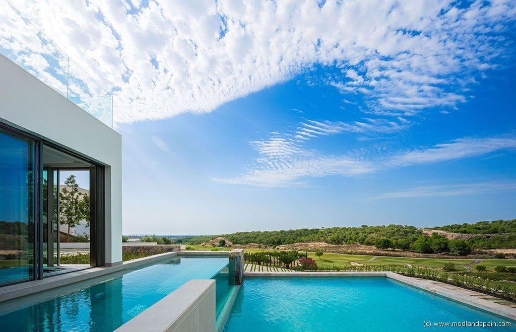 Chalet de 3 habitaciones en Las Colinas Golf en venta con piscina garaje - 2.200.000 € (Ref: 3150604)