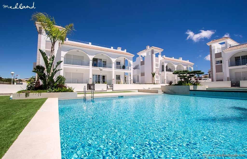 3 bedroom Apartment for sale in Ciudad Quesada with pool - € 272,050 (Ref: 3670533)