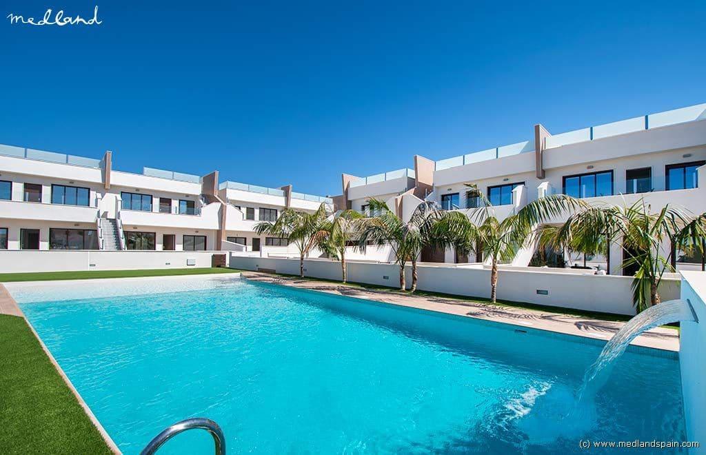 Apartamento de 3 habitaciones en Pilar de la Horadada en venta con piscina - 166.900 € (Ref: 4243610)