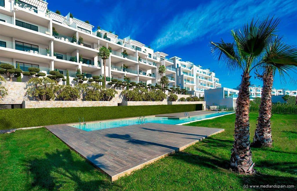 Apartamento de 2 habitaciones en Las Colinas Golf en venta con piscina garaje - 279.000 € (Ref: 4390039)