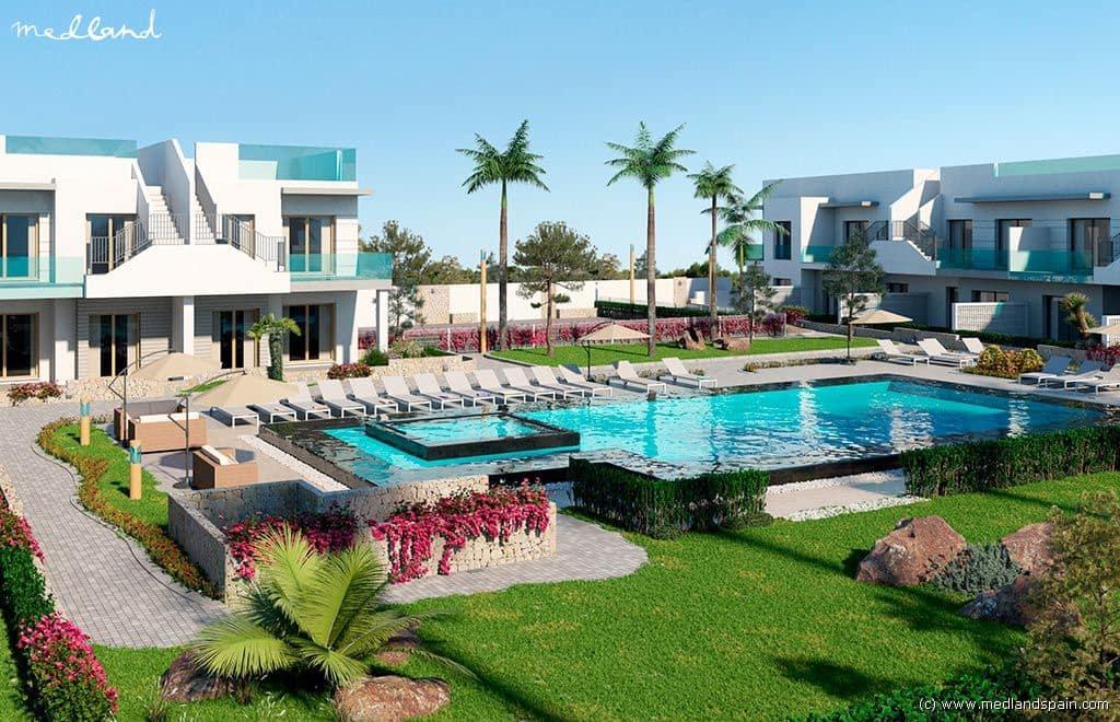 Apartamento de 2 habitaciones en Pilar de la Horadada en venta con piscina garaje - 141.000 € (Ref: 4511917)
