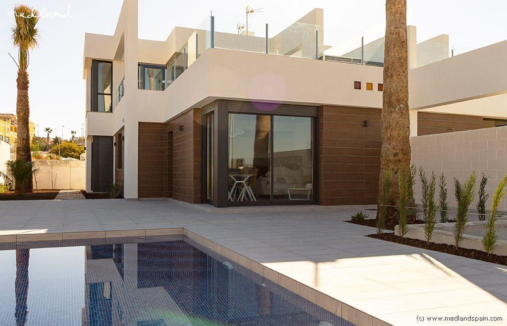 Chalet de 3 habitaciones en Benijófar en venta con piscina garaje - 272.000 € (Ref: 4525694)