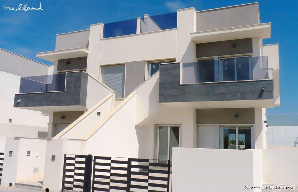 Apartamento de 2 habitaciones en Pilar de la Horadada en venta con piscina garaje - 140.000 € (Ref: 4636448)