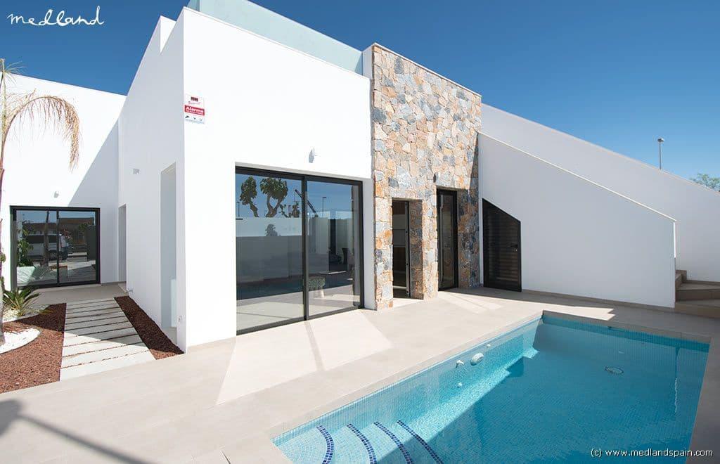 Chalet de 2 habitaciones en Pilar de la Horadada en venta con piscina - 204.900 € (Ref: 4808905)