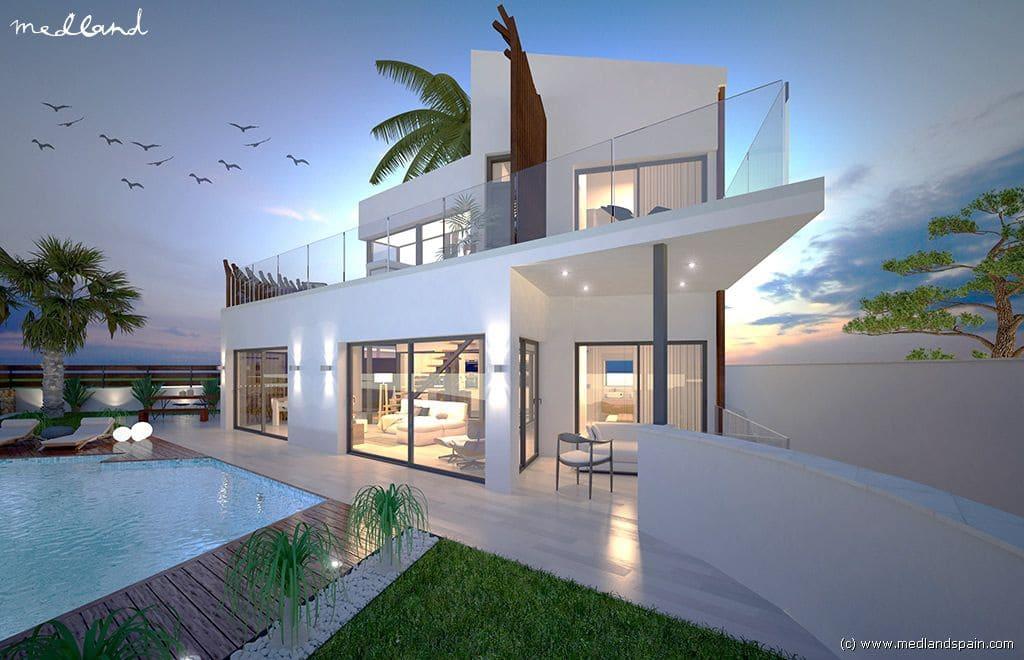 Chalet de 4 habitaciones en Pilar de la Horadada en venta con garaje - 590.000 € (Ref: 5085601)