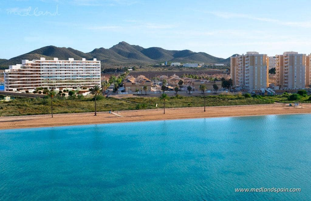 2 soveværelse Lejlighed til salg i La Manga del Mar Menor med swimmingpool - € 171.000 (Ref: 5878551)