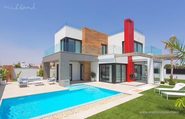 3 soveværelse Villa til salg i Los Alcazares med swimmingpool - € 610.000 (Ref: 5878912)