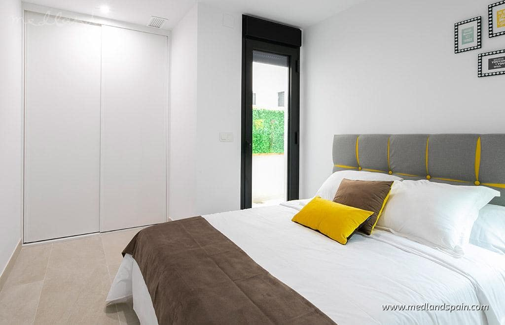 2 quarto Apartamento para venda em Santa Pola - 295 000 € (Ref: 5879305)
