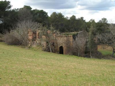 Ruine à vendre à Monells - 380 000 € (Ref: 4560283)