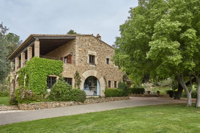 8 bedroom Finca/Country House for sale in Foixa with pool - € 1,750,000 (Ref: 4560306)