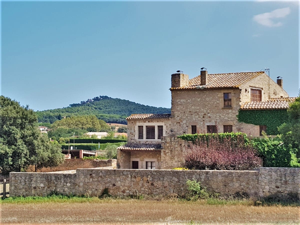 7 bedroom Townhouse for sale in Pals with pool - € 1,600,000 (Ref: 4560317)