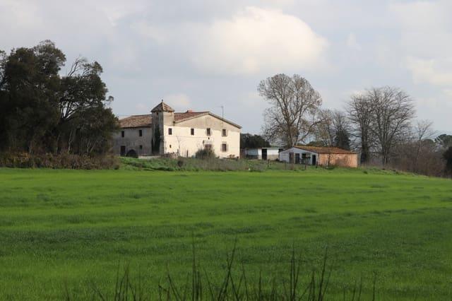 7 chambre Finca/Maison de Campagne à vendre à Caldes de Malavella - 750 000 € (Ref: 4916024)