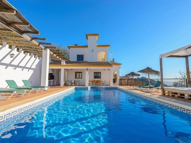 Chalet de 6 habitaciones en Comares en alquiler vacacional con piscina - 600 € (Ref: 2429920)