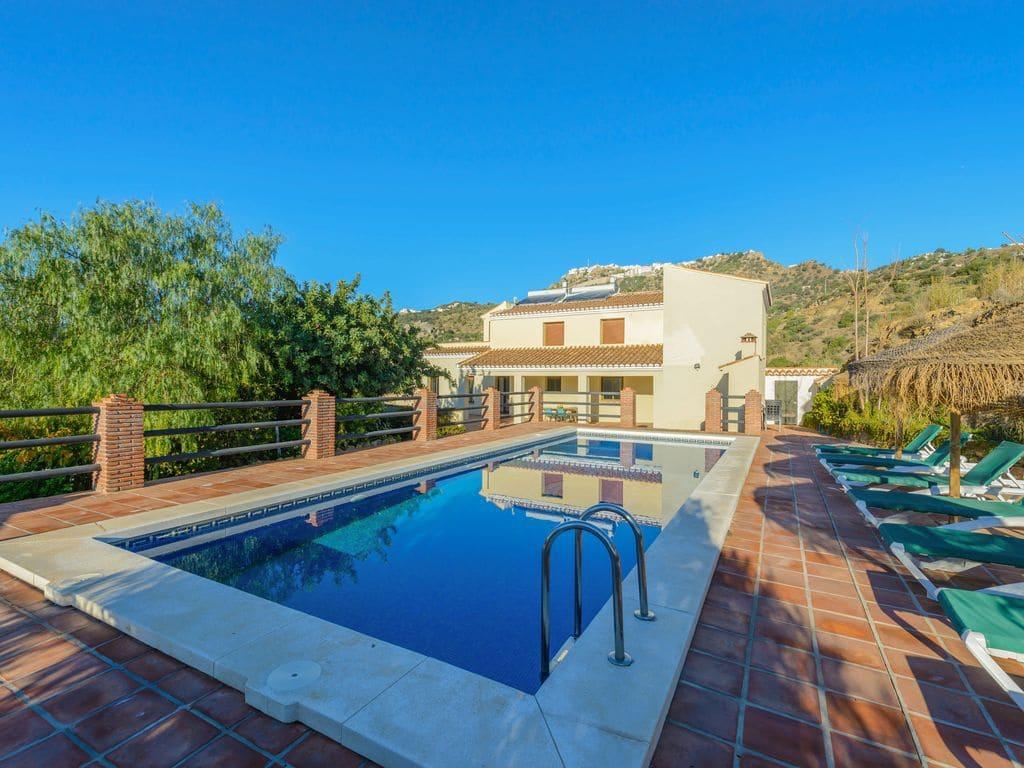 5 Zimmer Ferienvilla in Comares mit Pool - 600 € (Ref: 2430009)