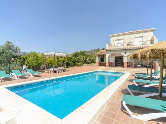 4 Zimmer Ferienvilla in Comares mit Pool - 600 € (Ref: 2433430)