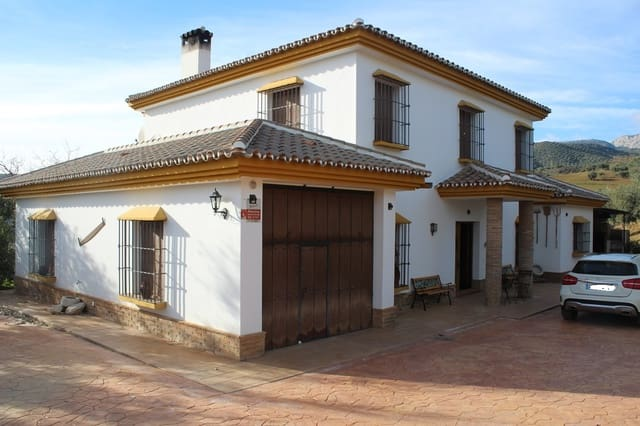 4 sypialnia Willa do wynajęcia w Riogordo z basenem garażem - 1 800 € (Ref: 4393119)