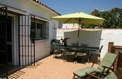 5 bedroom Townhouse for sale in Colmenar with pool garage - € 199,000 (Ref: 4631446)