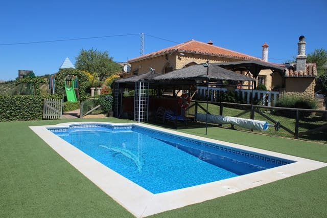3 quarto Quinta/Casa Rural para venda em Villanueva de la Concepcion com piscina garagem - 260 000 € (Ref: 4634126)