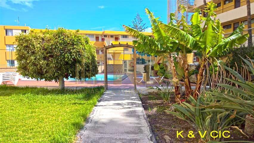 2 slaapkamer Appartement te huur in Playa del Ingles - € 750 (Ref: 5114879)