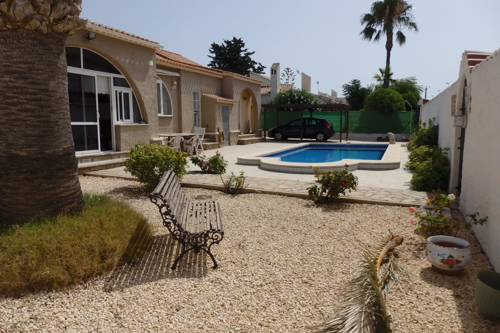Chalet de 4 habitaciones en Playa Flamenca en venta con piscina - 320.000 € (Ref: 4686574)