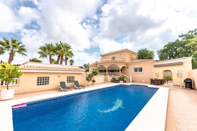 4 sypialnia Willa na sprzedaż w La Escuera z basenem garażem - 399 000 € (Ref: 6349182)