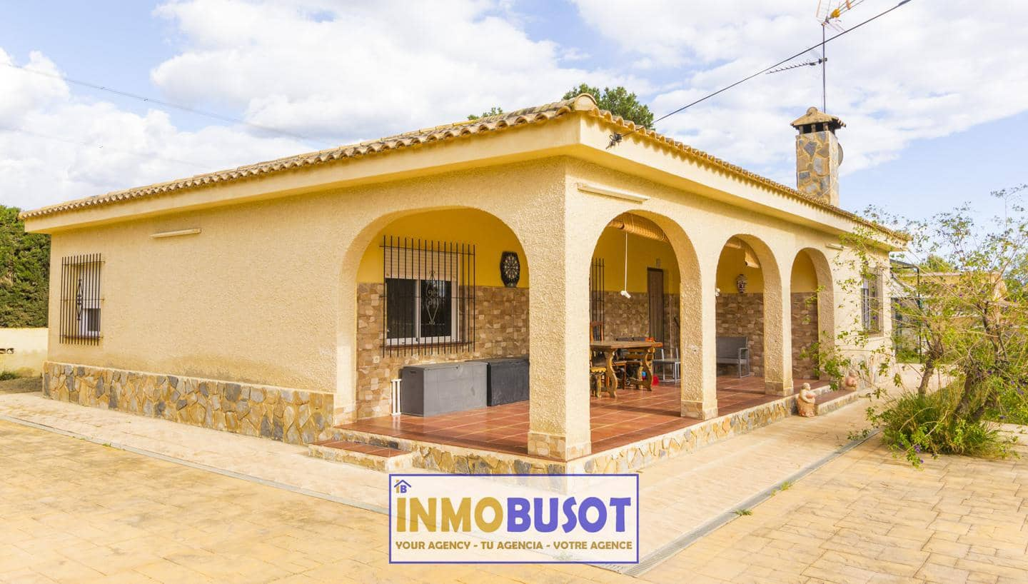 4 bedroom Villa for sale in Busot with pool - € 199,000 (Ref: 5157739)