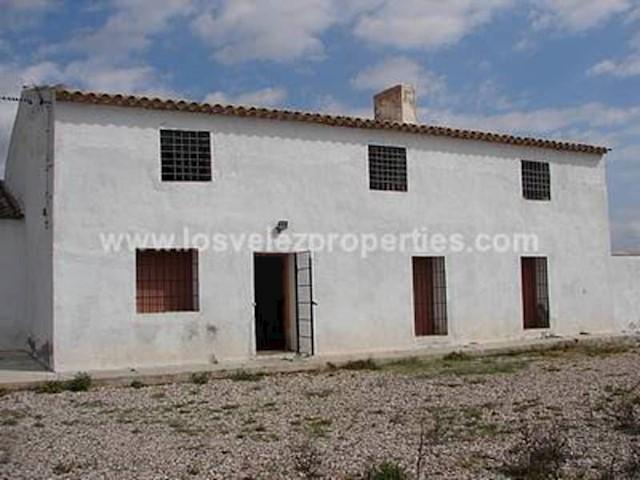 Teren niezagospodarowany na sprzedaż w Velez-Blanco - 295 000 € (Ref: 3122491)