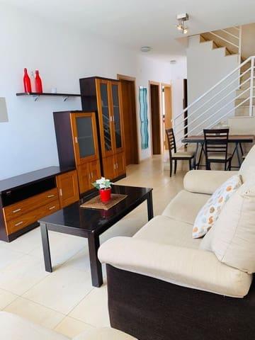 3 soveværelse Byhus til leje i Costa Teguise med swimmingpool garage - € 950 (Ref: 5319872)