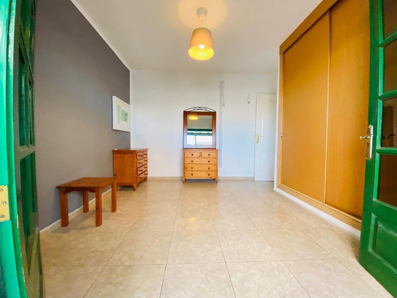 2 soveværelse Lejlighed til leje i Playa Blanca - € 750 (Ref: 5699671)