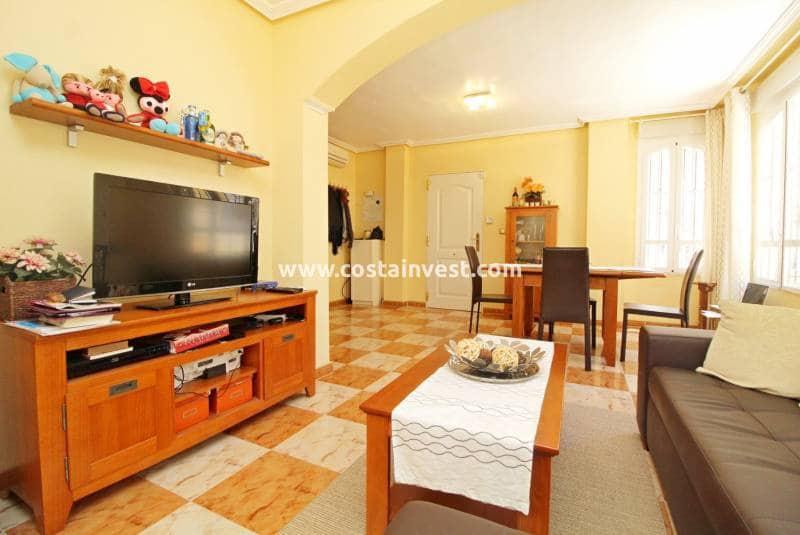 2 soveværelse Semi-Rækkehus til salg i Cabo Roig med swimmingpool - € 124.900 (Ref: 5155890)