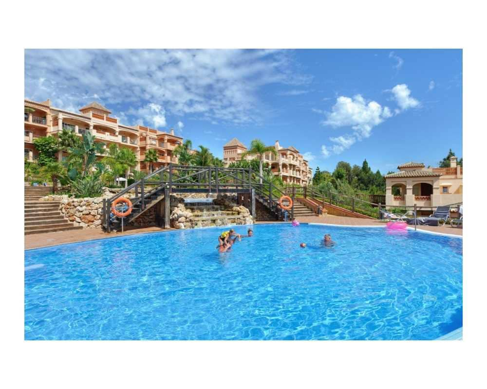2 bedroom Apartment for sale in Benalmadena with pool - € 299,000 (Ref: 4866313)