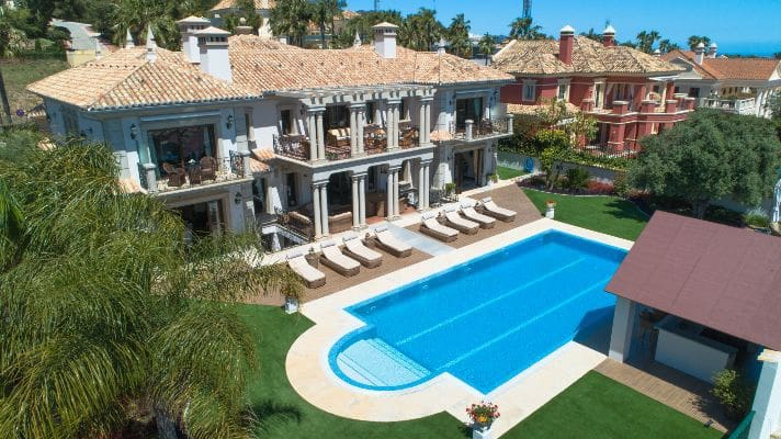 8 bedroom Villa for sale in Marbella with pool garage - € 3,800,000 (Ref: 5154134)