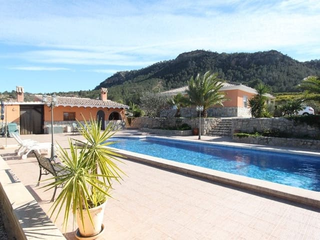 Chalet de 3 habitaciones en Pliego en venta con piscina garaje - 295.000 € (Ref: 3819414)