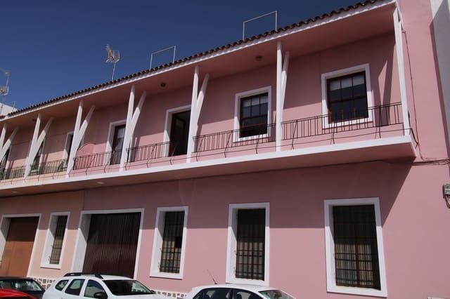 3 slaapkamer Appartement te huur in Los Llanos de Aridane - € 700 (Ref: 5483663)
