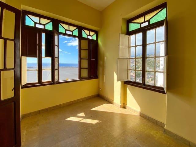 3 slaapkamer Appartement te huur in Santa Cruz de la Palma - € 1.000 (Ref: 5513350)