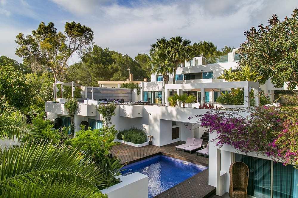 Chalet de 6 habitaciones en Roca Llisa en alquiler vacacional con piscina - 15.505 € (Ref: 3786879)