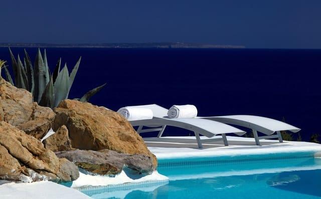 5 sypialnia Willa na kwatery wakacyjne w Es Cubells z basenem - 42 000 € (Ref: 3839841)