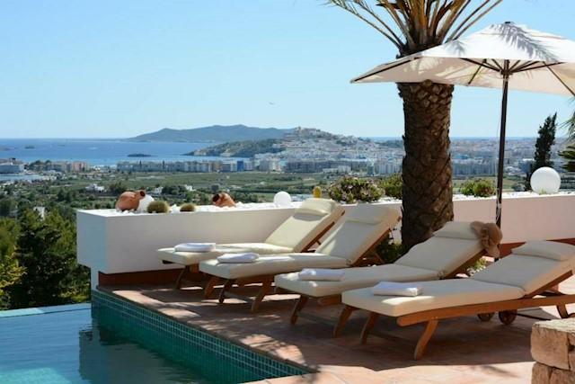 5 soverom Villa til salgs i Santa Eulalia / Santa Eularia med svømmebasseng - € 9 800 (Ref: 3990737)