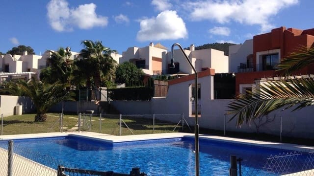 3 bedroom Villa for rent in Cala Tarida with pool - € 2,000 (Ref: 4256470)