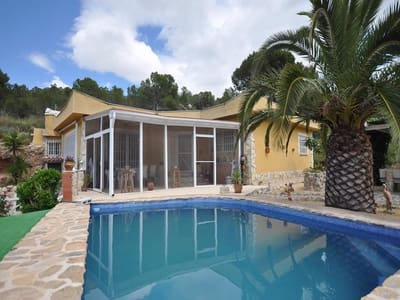 3 bedroom Cave House for sale in La Romana with pool - € 169,000 (Ref: 4615770)