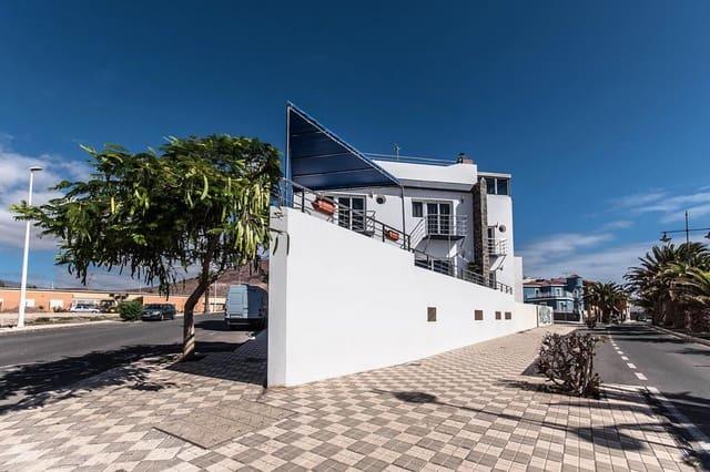 6 chambre Maison de Ville à vendre à Arinaga avec garage - 900 000 € (Ref: 3181061)