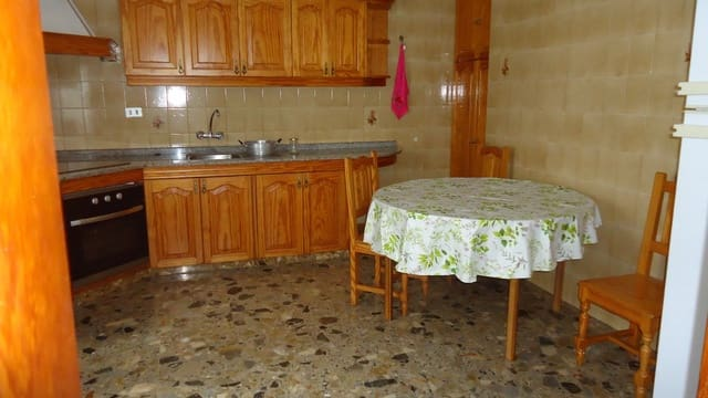 2 slaapkamer Flat te huur in Santa Maria de Guia de Gran Canaria - € 400 (Ref: 3475248)