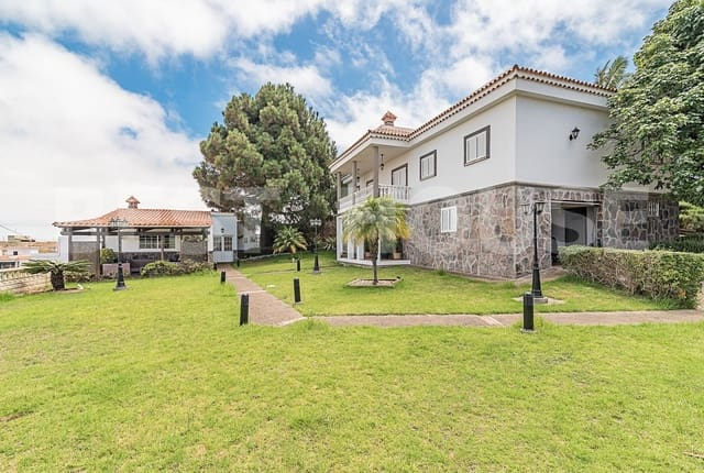 4 sovrum Hus till salu i Firgas med garage - 565 000 € (Ref: 3819516)
