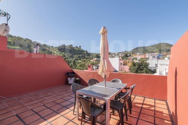 Casa de 4 habitaciones en Teror en venta con garaje - 196.000 € (Ref: 4319755)