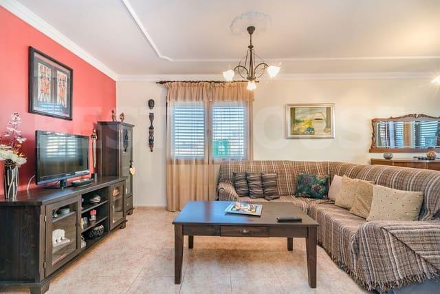 4 sovrum Radhus till salu i Aguimes med garage - 196 000 € (Ref: 4738728)